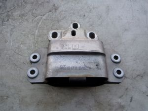 2010 VW Golf GTI Transmission Mount