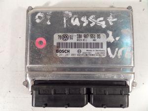 01 VW Passat Engine Computer
