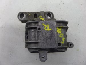 Right 2.0T BPY Engine Mount