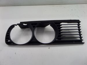 BMW 318i Right Headlight Grille Grill E30 84-92 OEM 1 945 886.0