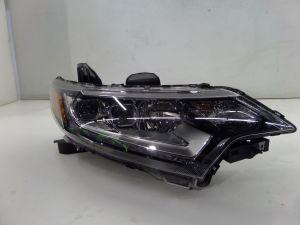 18 Mitsubishi Outlander Right Headlight LED NIQ Scratched Bottom OEM